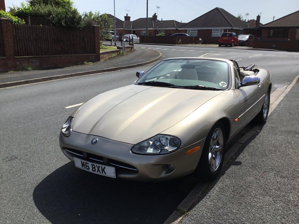 1996 Jaguar xk8 convertable For Sale (picture 1 of 6)