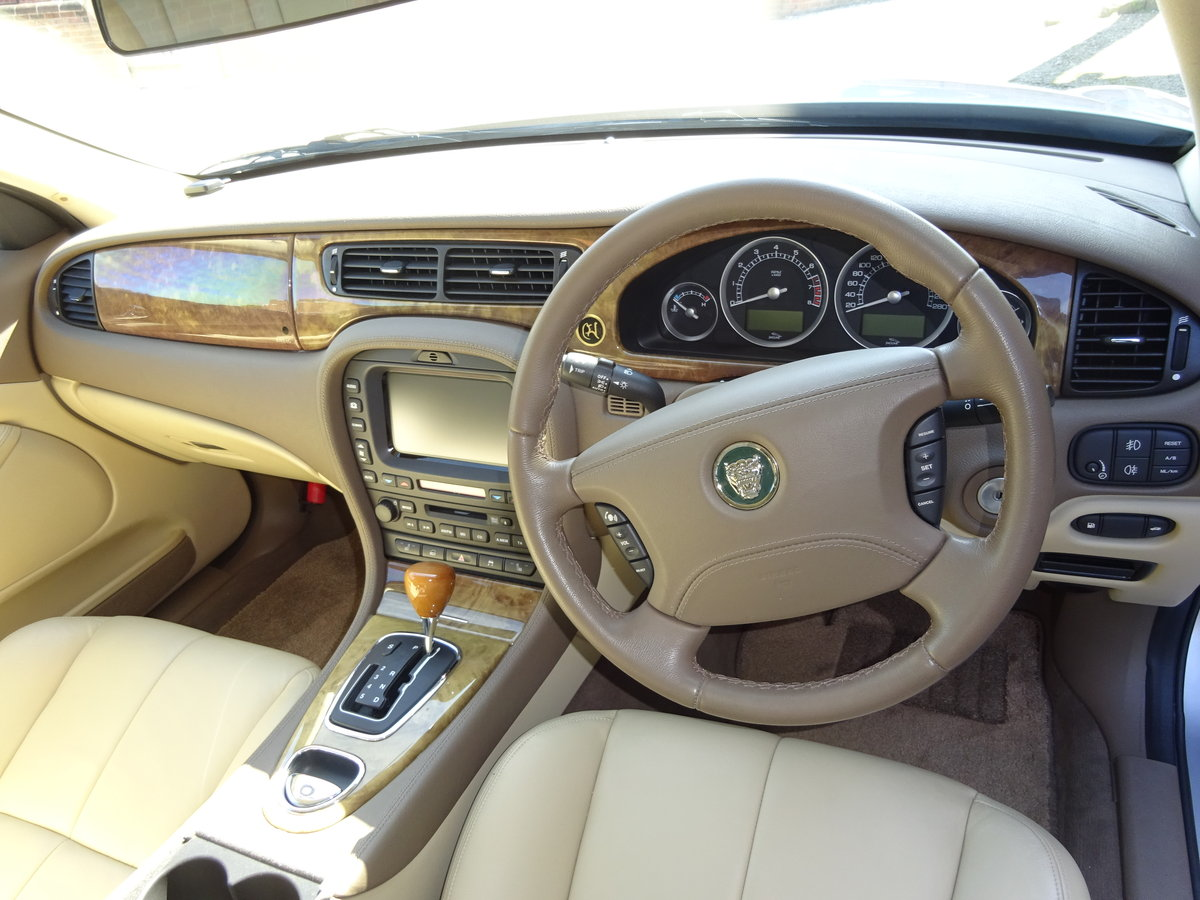 2005 JAGUAR S-TYPE 2.5 V6 AUTO - COVERED 21K MILES 1 OWNER   For Sale (picture 2 of 6)