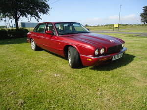 1998 Jaguar XJ8 sport, drive it home, good MOT For Sale