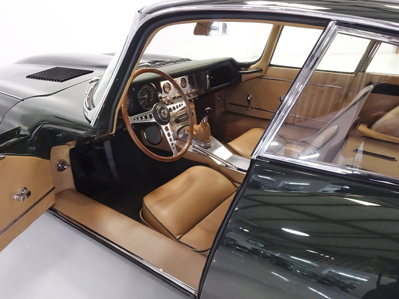 """1961 Jaguar E-Type Series 1 """"Flat Floor"""" Fixed Head Coupe For Sale (picture 3 of 6)"""