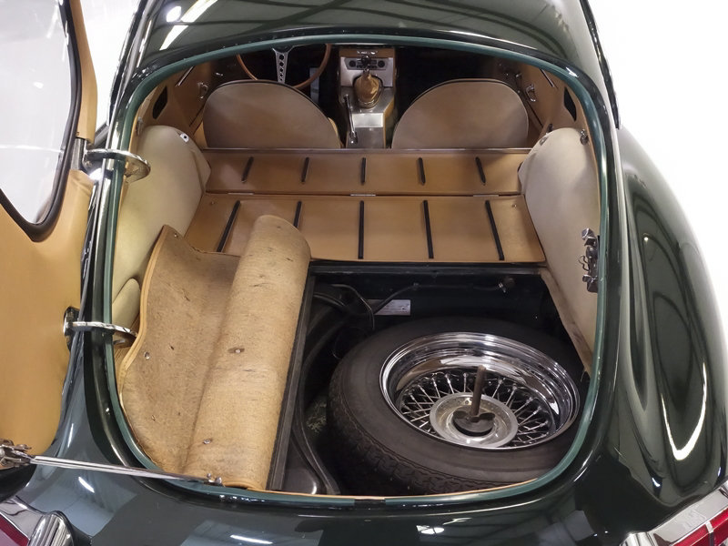 """1961 Jaguar E-Type Series 1 """"Flat Floor"""" Fixed Head Coupe For Sale (picture 4 of 6)"""