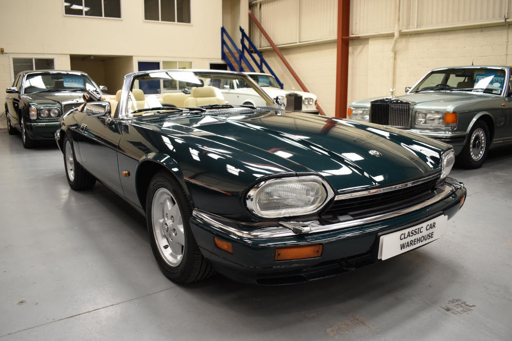 1993 6.0 V12 Convertible from a most meticulous collector For Sale (picture 1 of 6)