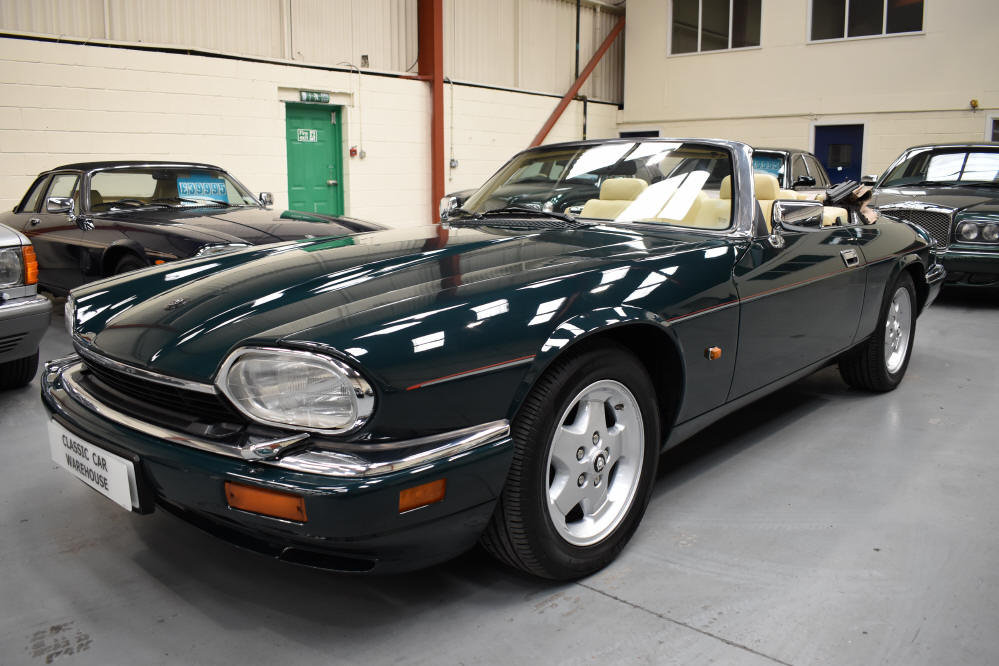 1993 6.0 V12 Convertible from a most meticulous collector For Sale (picture 2 of 6)