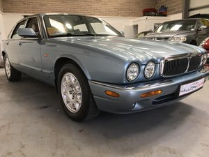 2001 jaguar v8 Stunning example of this luxury  For Sale