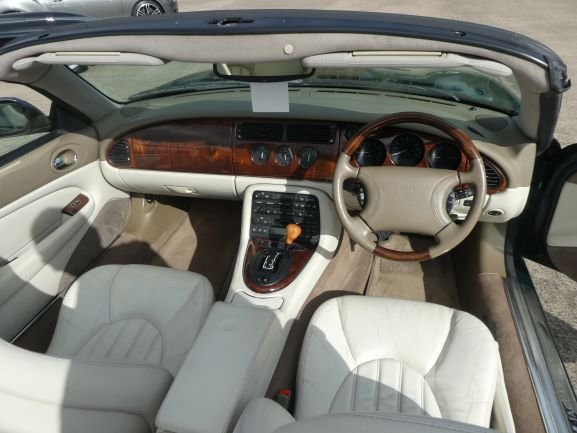1999 Jaguar XKR Convertible For Sale (picture 4 of 6)