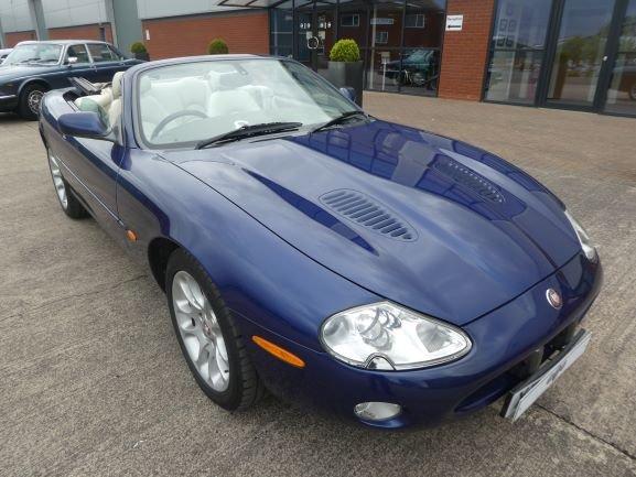 2001 Jaguar XKR 4.0 Cabriolet For Sale (picture 1 of 6)