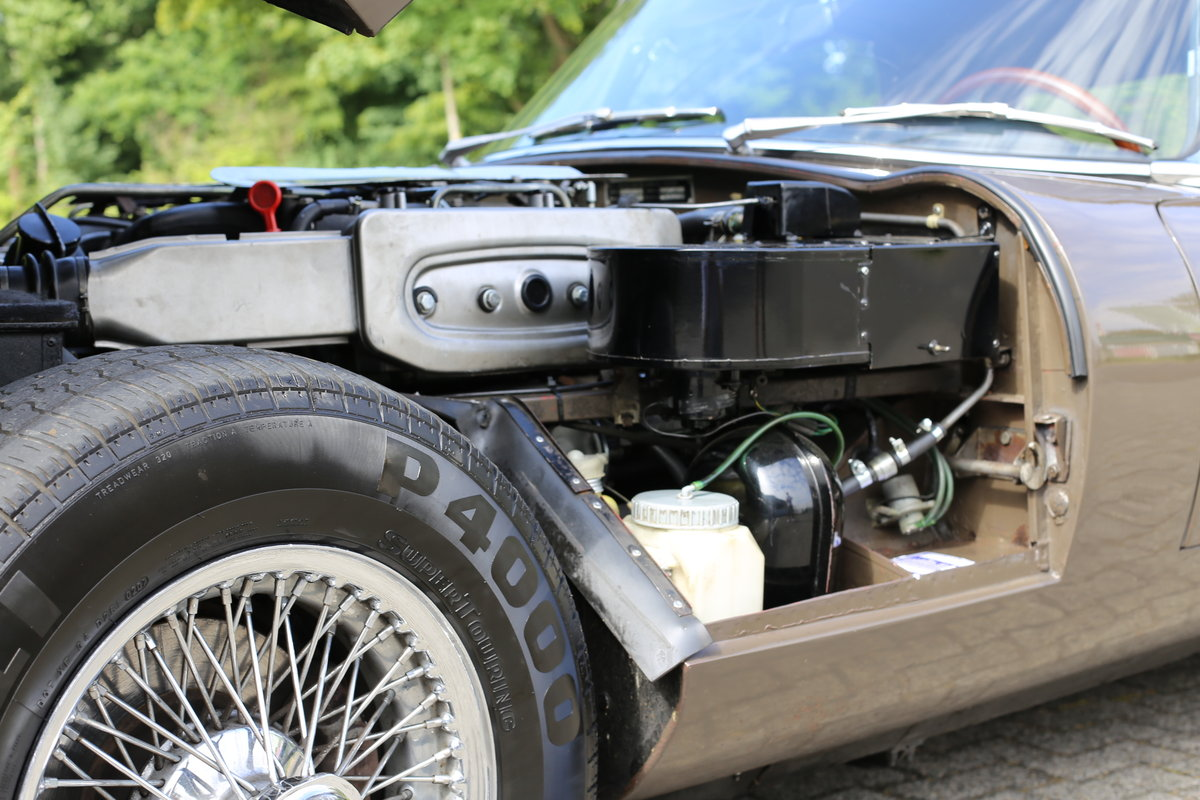 1973 Remarkable original Jaguar E-Type Series 3 OTS manual box SOLD (picture 4 of 6)