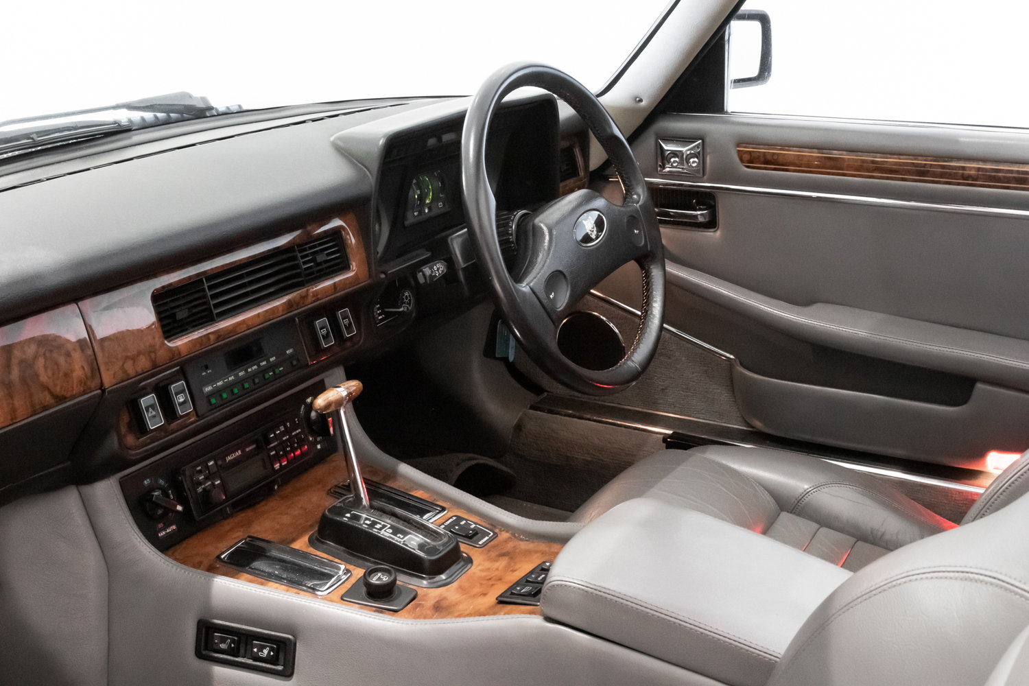 1989 Outstanding Condition Jaguar XJS V12 Convertible Automatic  For Sale (picture 5 of 6)