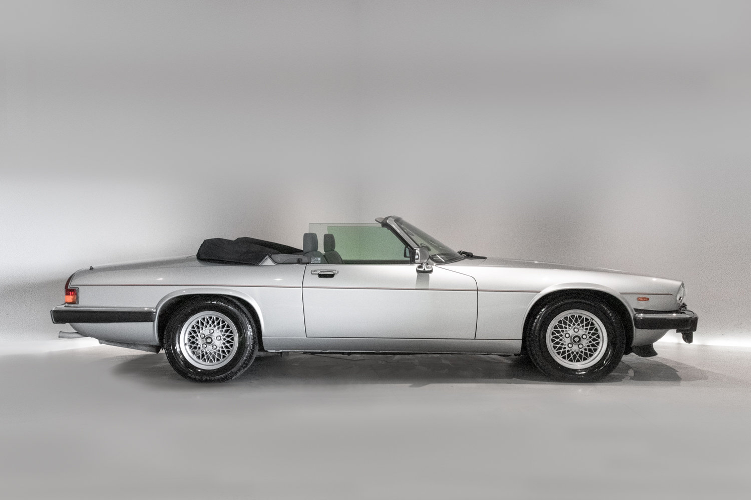 1989 Outstanding Condition Jaguar XJS V12 Convertible Automatic  For Sale (picture 3 of 6)