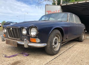 4000 1970 Jaguar XJ12 V12 Manual Pre Production at EAMA 20/7 For Sale by Auction