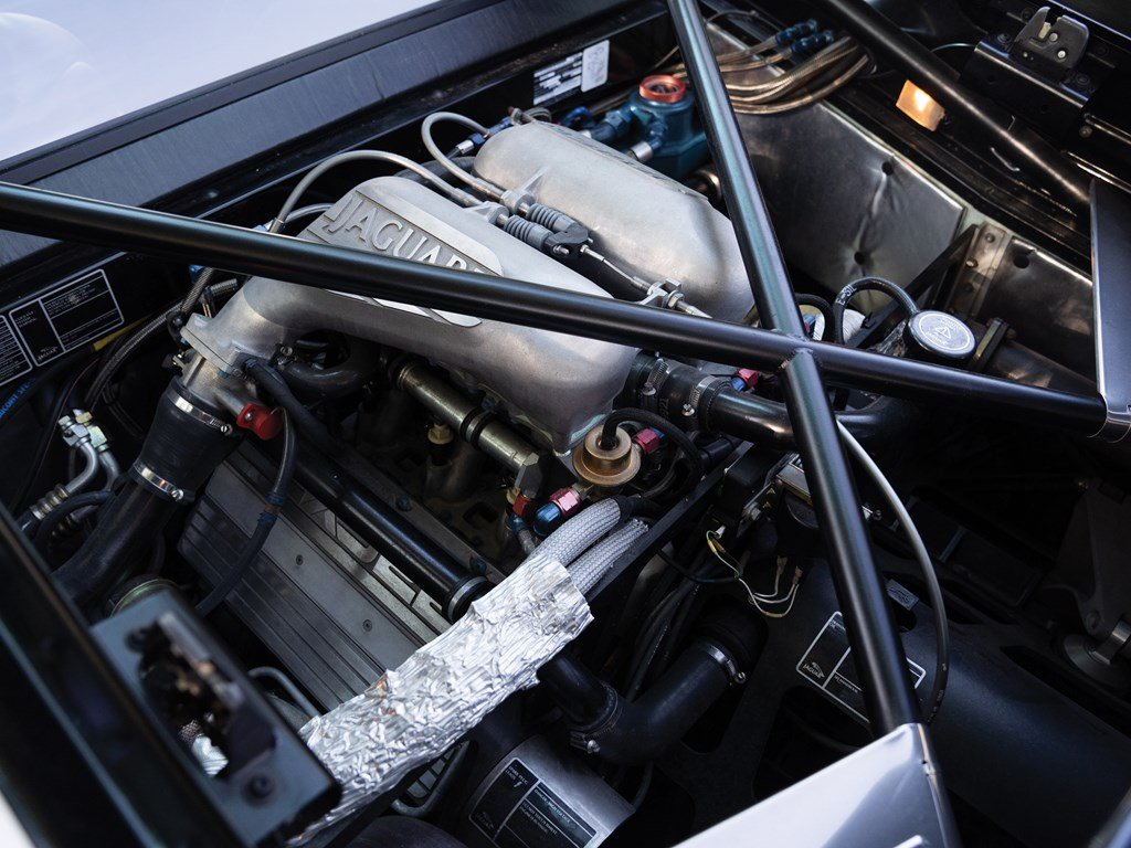 1993 Jaguar XJ220  For Sale by Auction (picture 3 of 6)