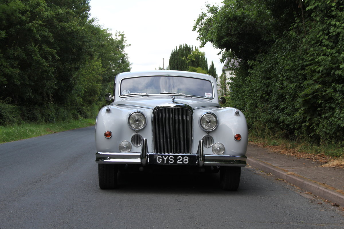 1960 Jaguar MKIX 3.8 Automatic SOLD (picture 2 of 12)