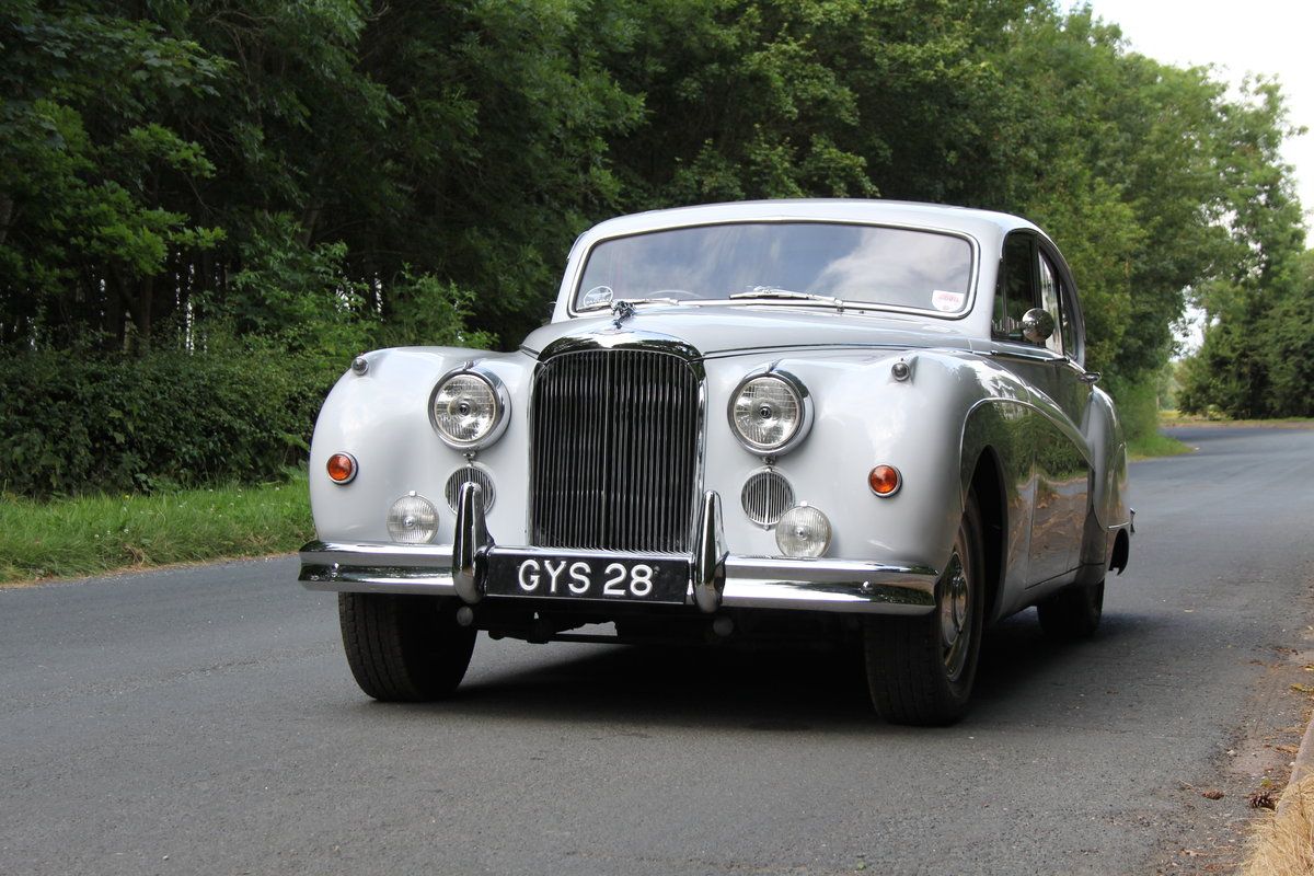 1960 Jaguar MKIX 3.8 Automatic SOLD (picture 3 of 12)