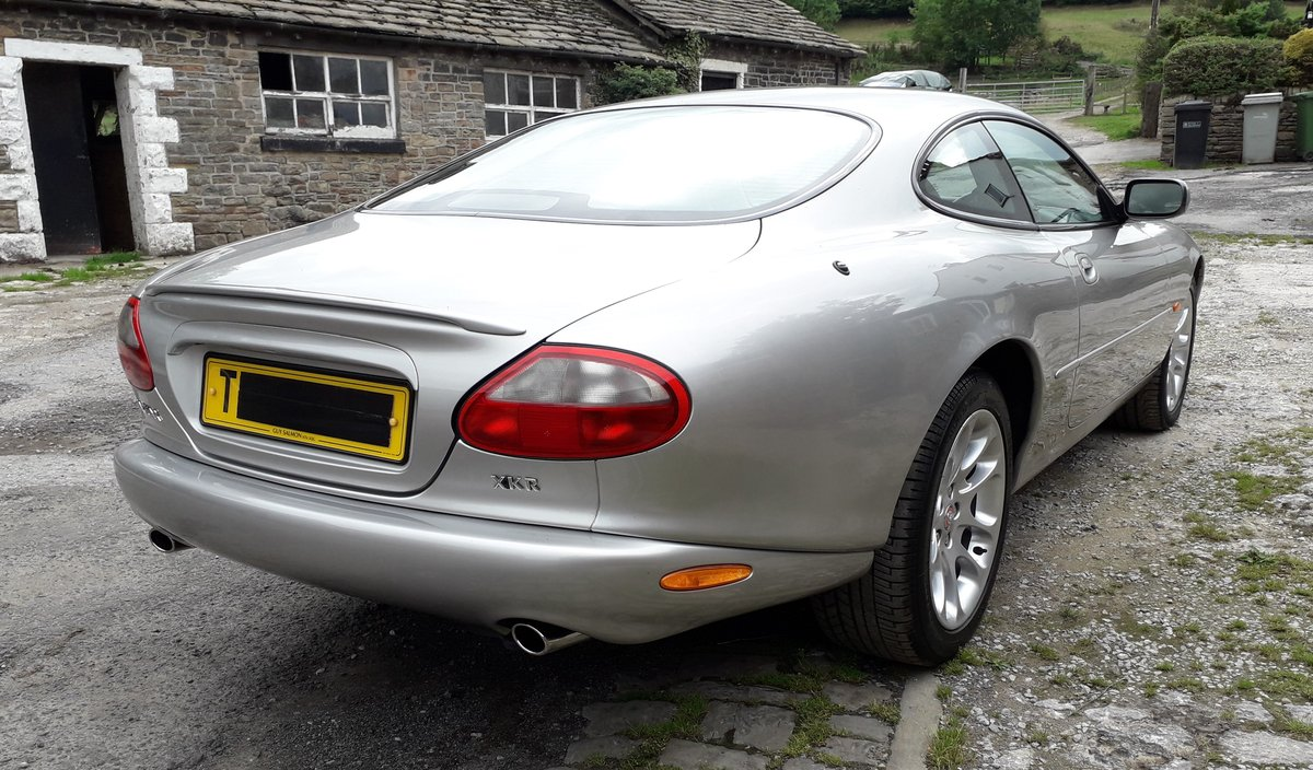 1999 Jaguar XKR 4.0ltr supercharged coupe For Sale (picture 3 of 6)