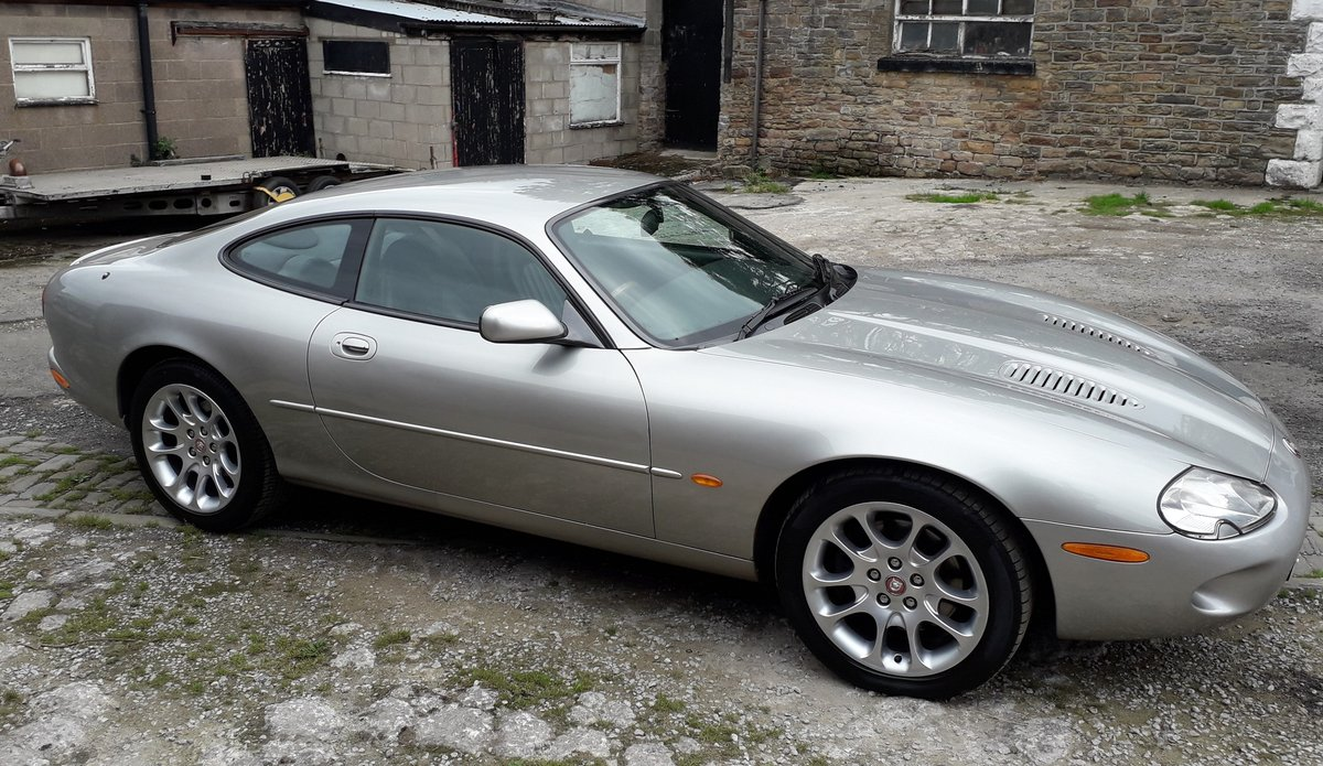 1999 Jaguar XKR 4.0ltr supercharged coupe For Sale (picture 4 of 6)