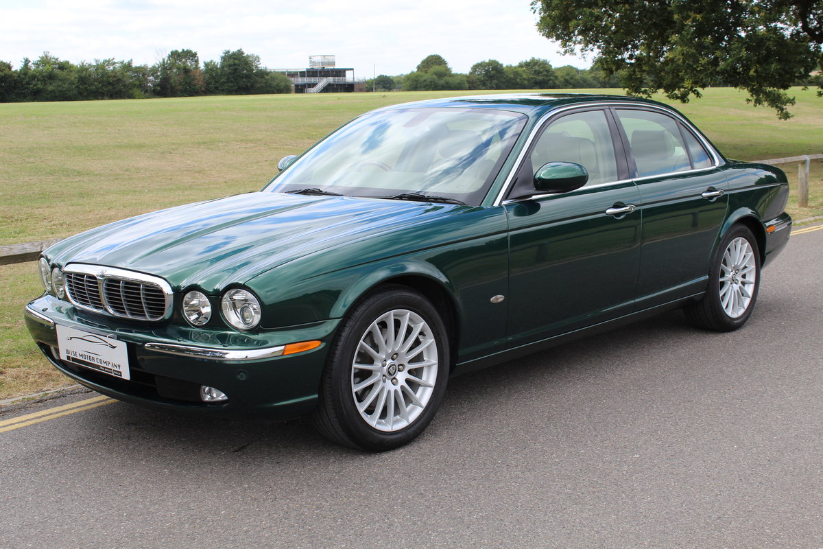 Beautiful 2006/56 Jaguar XJ8 4.2 V8 Executive For Sale (picture 1 of 6)