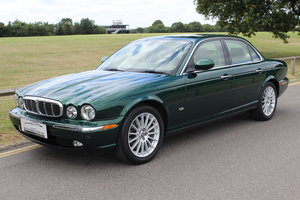 Beautiful 2006/56 Jaguar XJ8 4.2 V8 Executive