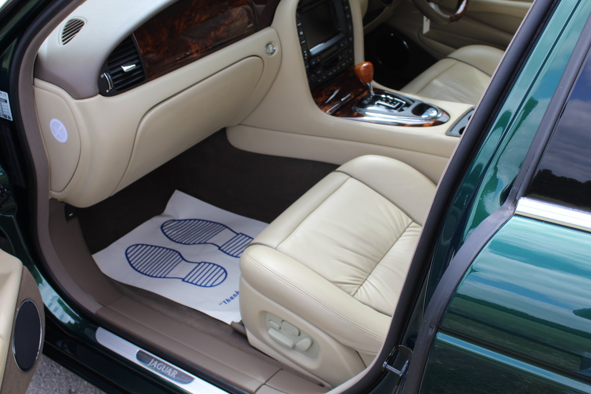 Beautiful 2006/56 Jaguar XJ8 4.2 V8 Executive For Sale (picture 4 of 6)