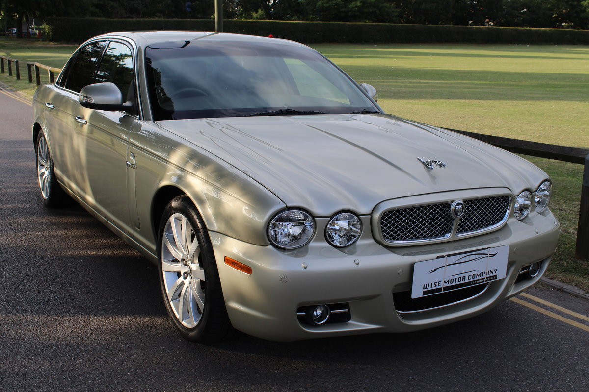 2009 Beautiful Jaguar XJ 3.0 Executive X358 Model For Sale (picture 1 of 6)