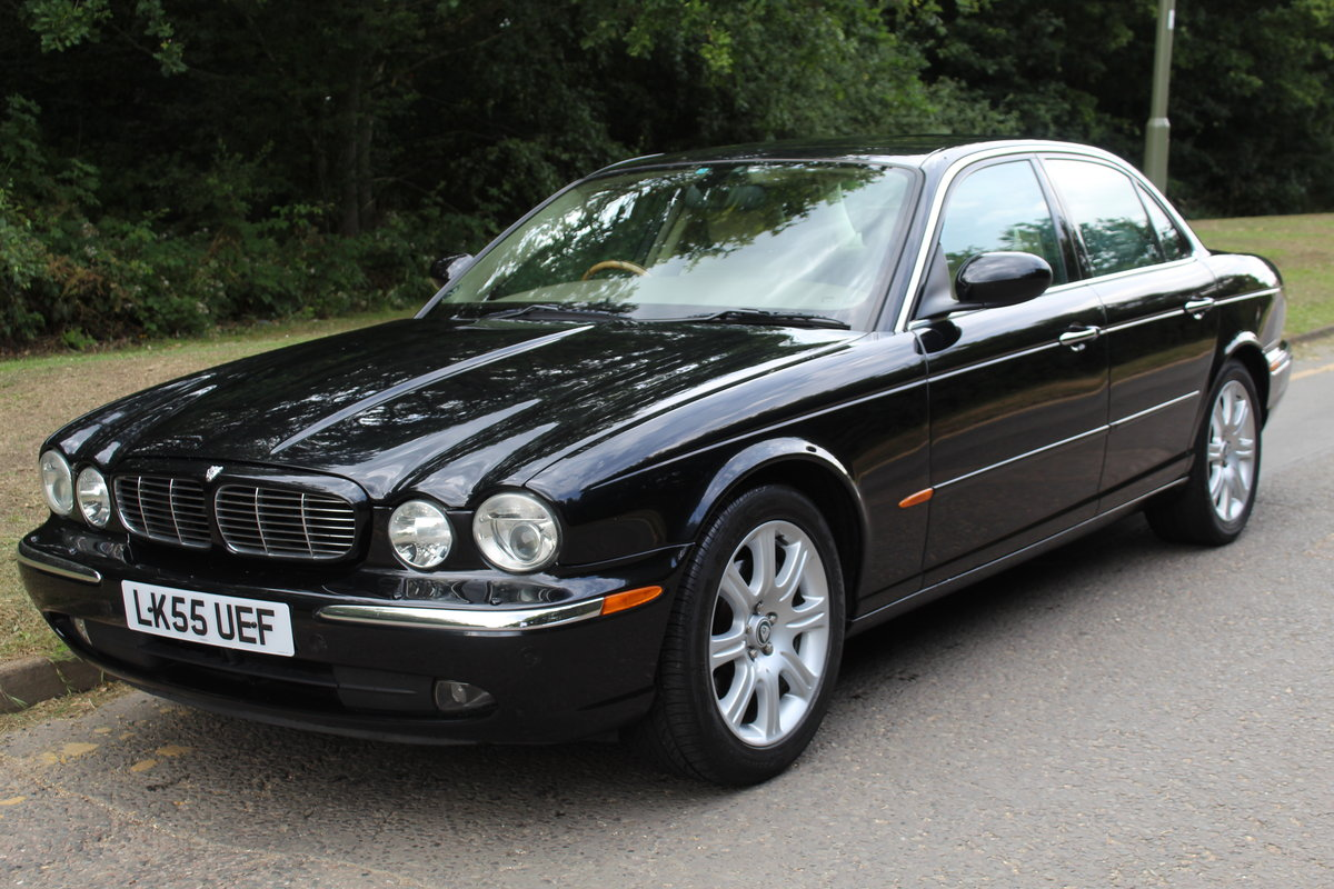 2005 Beautiful Jaguar XJ 4.2 V8 Executive For Sale (picture 1 of 6)
