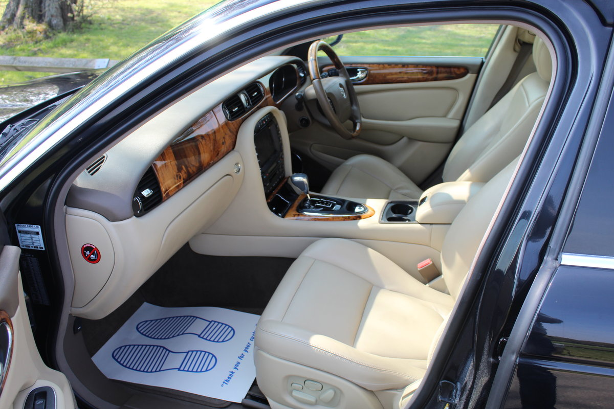 2005 Beautiful Jaguar XJ 4.2 V8 Executive For Sale (picture 5 of 6)