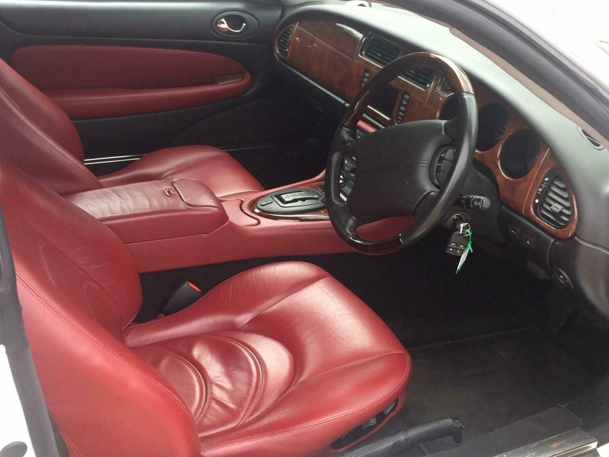 2004 Jaguar XKR 4.2 Supercharged auto 400 Classic Superb 45k SOLD (picture 4 of 6)