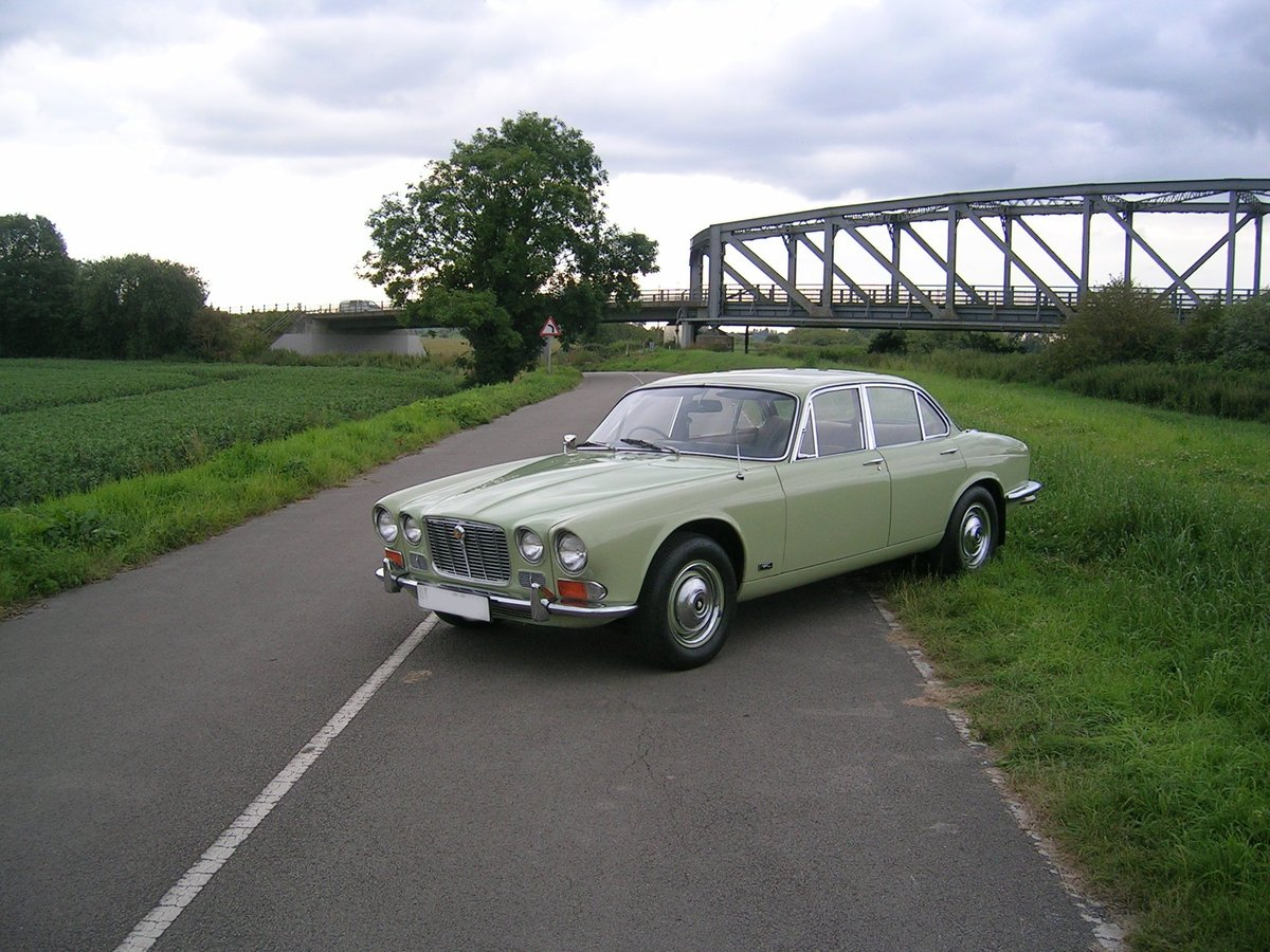 1972 Jaguar XJ6 4.2 Series 1 Historic Vehicle  For Sale (picture 1 of 6)