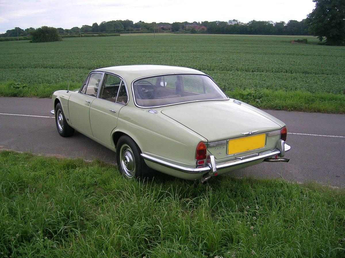 1972 Jaguar XJ6 4.2 Series 1 Historic Vehicle  For Sale (picture 3 of 6)