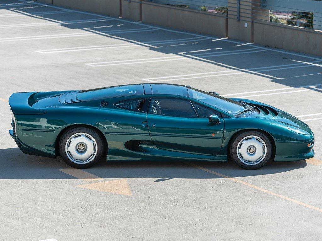 1993 Jaguar XJ220  For Sale by Auction (picture 5 of 6)