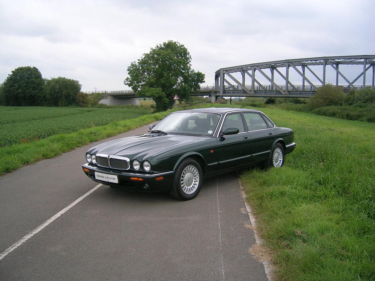 1999 Jaguar XJ8 Automatic 3.2  For Sale (picture 1 of 6)