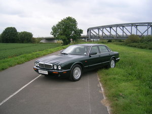 1999 Jaguar XJ8 Automatic 3.2