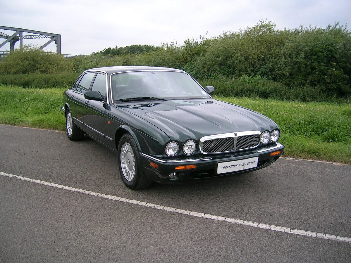 1999 Jaguar XJ8 Automatic 3.2  For Sale (picture 2 of 6)