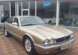 2000 Jaguar XJ8 For Sale by Auction