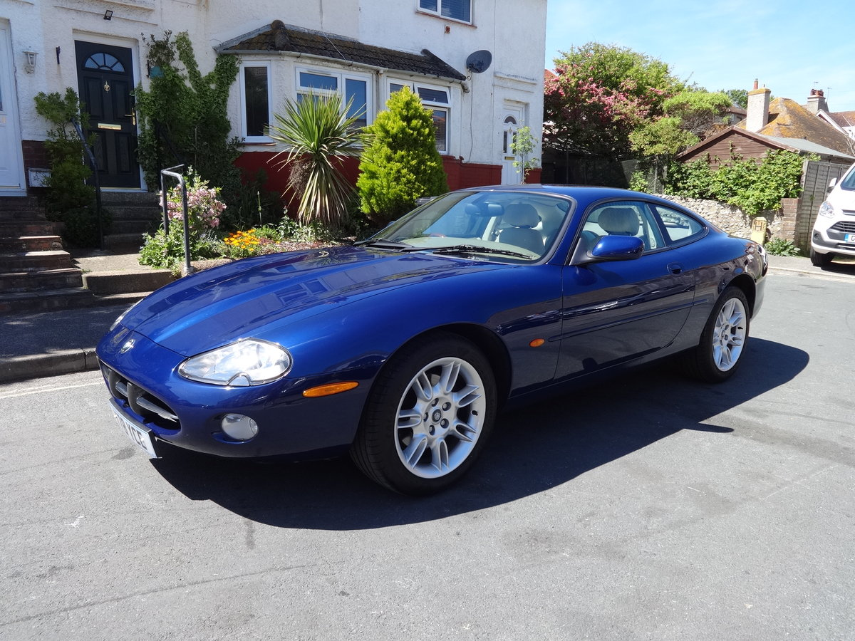2001 JAGUAR XK8 4.0 V8 COUPE For Sale (picture 1 of 6)
