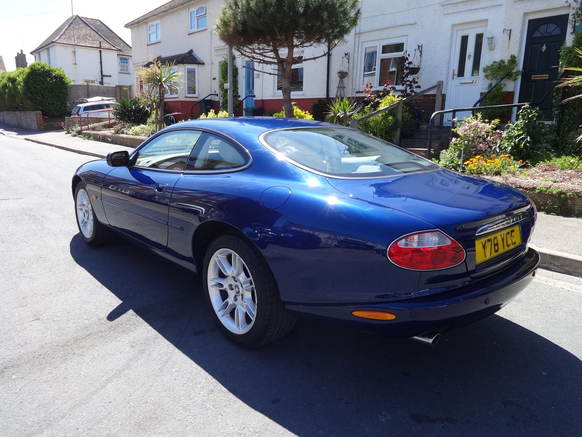 2001 JAGUAR XK8 4.0 V8 COUPE For Sale (picture 2 of 6)