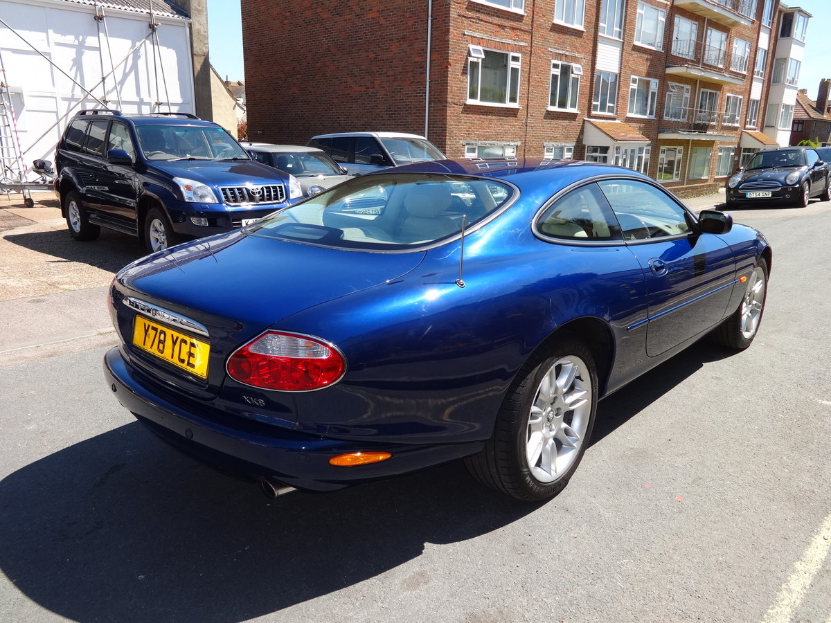 2001 JAGUAR XK8 4.0 V8 COUPE For Sale (picture 3 of 6)