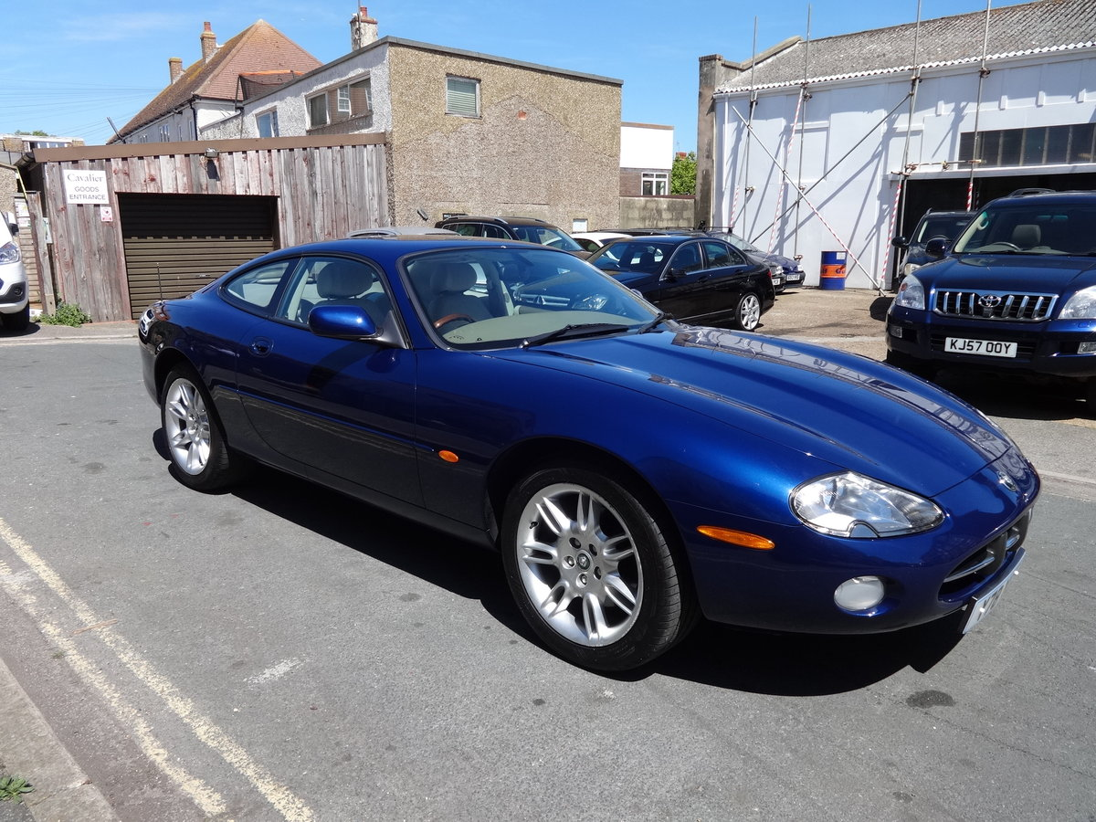 2001 JAGUAR XK8 4.0 V8 COUPE For Sale (picture 4 of 6)