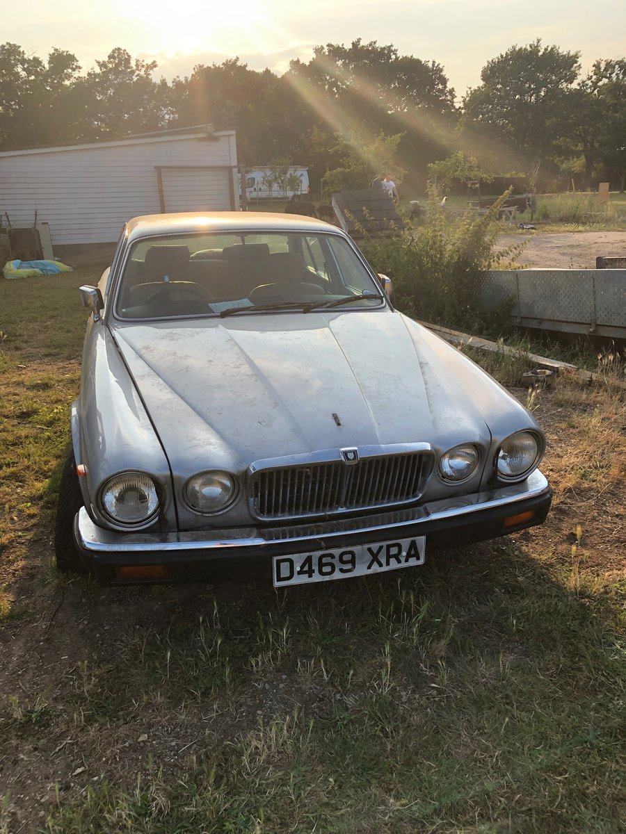1986 Jaguar XJ12 Spares car - non-Runner For Sale (picture 1 of 6)