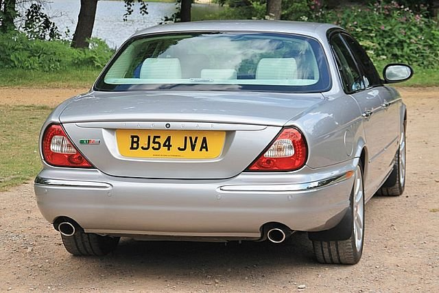 2004 Jaguar XJR (X350) (Just 83,000 Miles) For Sale (picture 2 of 6)