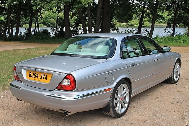 2004 Jaguar XJR (X350) (Just 83,000 Miles) For Sale (picture 3 of 6)