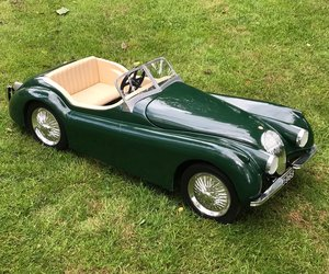 Jaguar XK120 child's pedal car 1/3
