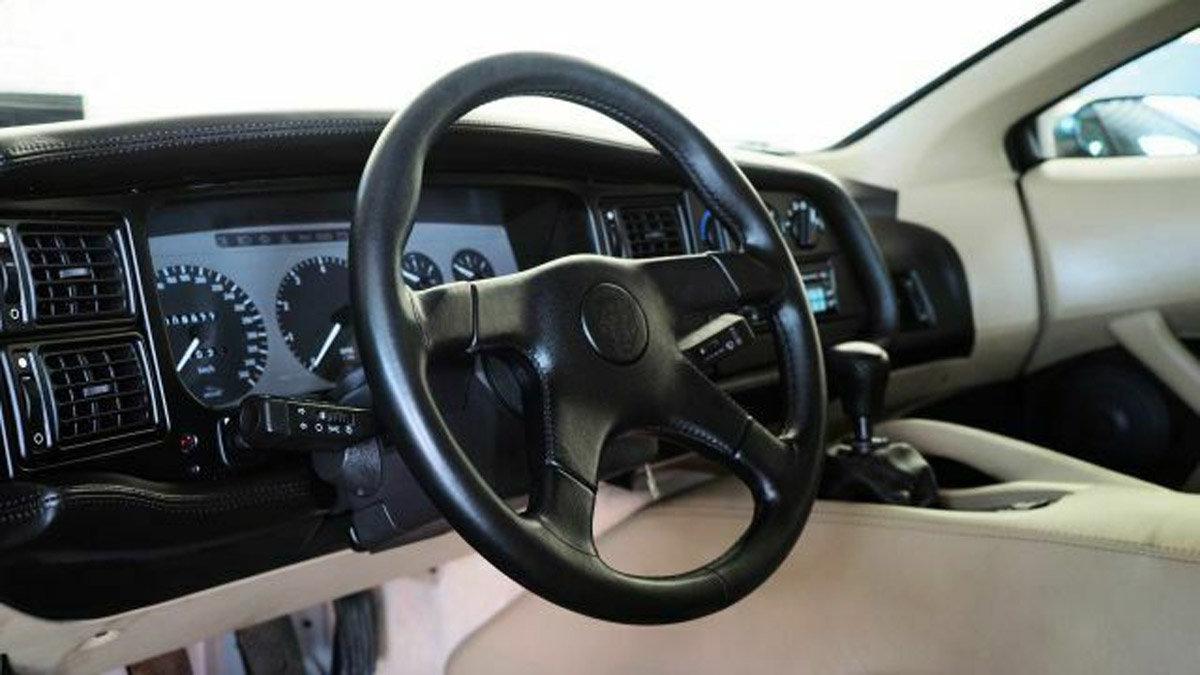 1994 Jaguar XJ220 For Sale by Auction (picture 2 of 6)
