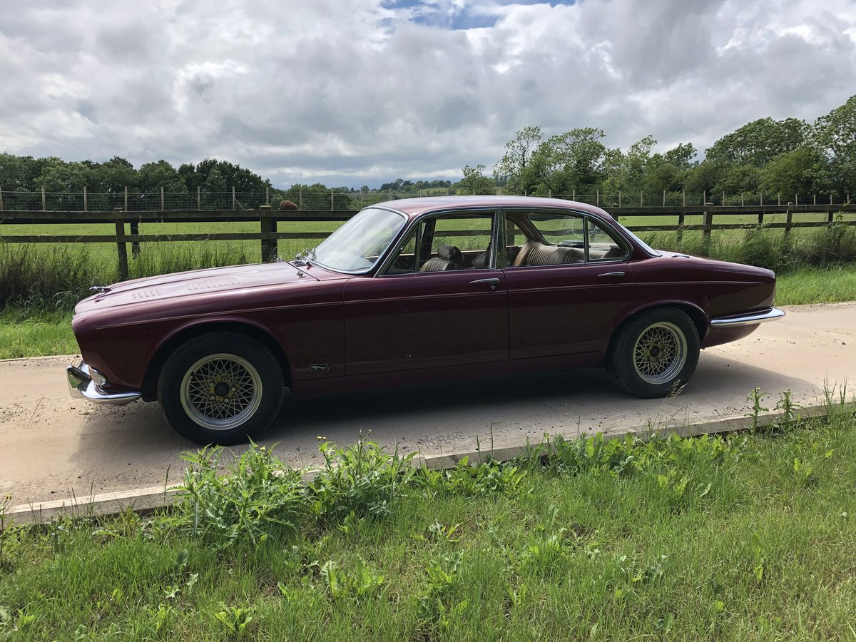1971 Jaguar XJ6 SWB, 4.2 Manual O/D with triple SU For Sale (picture 3 of 6)