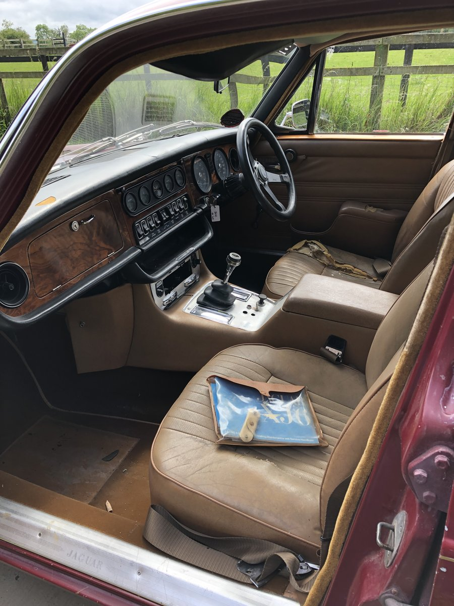 1971 Jaguar XJ6 SWB, 4.2 Manual O/D with triple SU For Sale (picture 4 of 6)