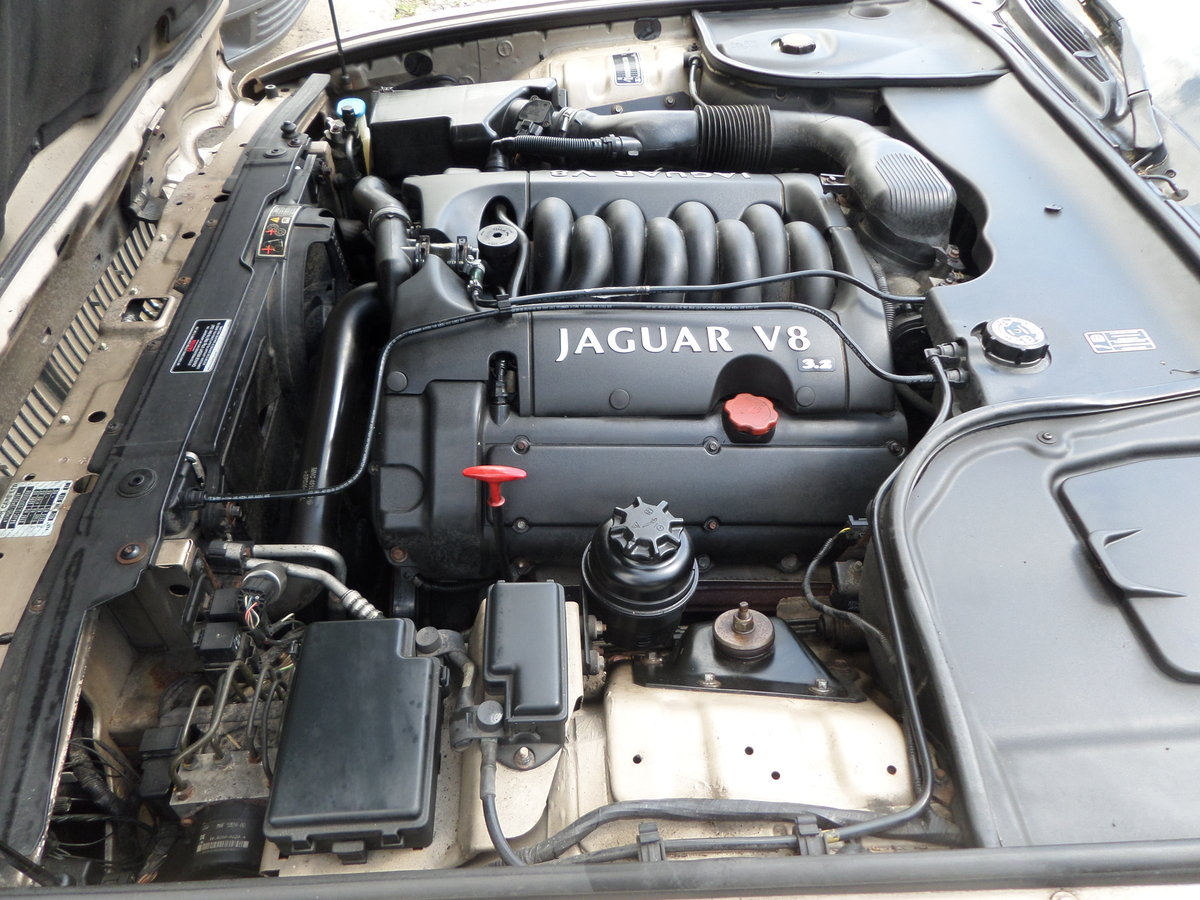 Jaguar XJ Executive 3.2 V8 automatic 2002/52. For Sale (picture 6 of 6)
