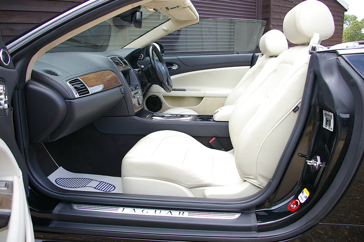 2010 Jaguar XKR 5.0 V8 S/C Convertible Automatic (33,000 miles) SOLD (picture 4 of 6)