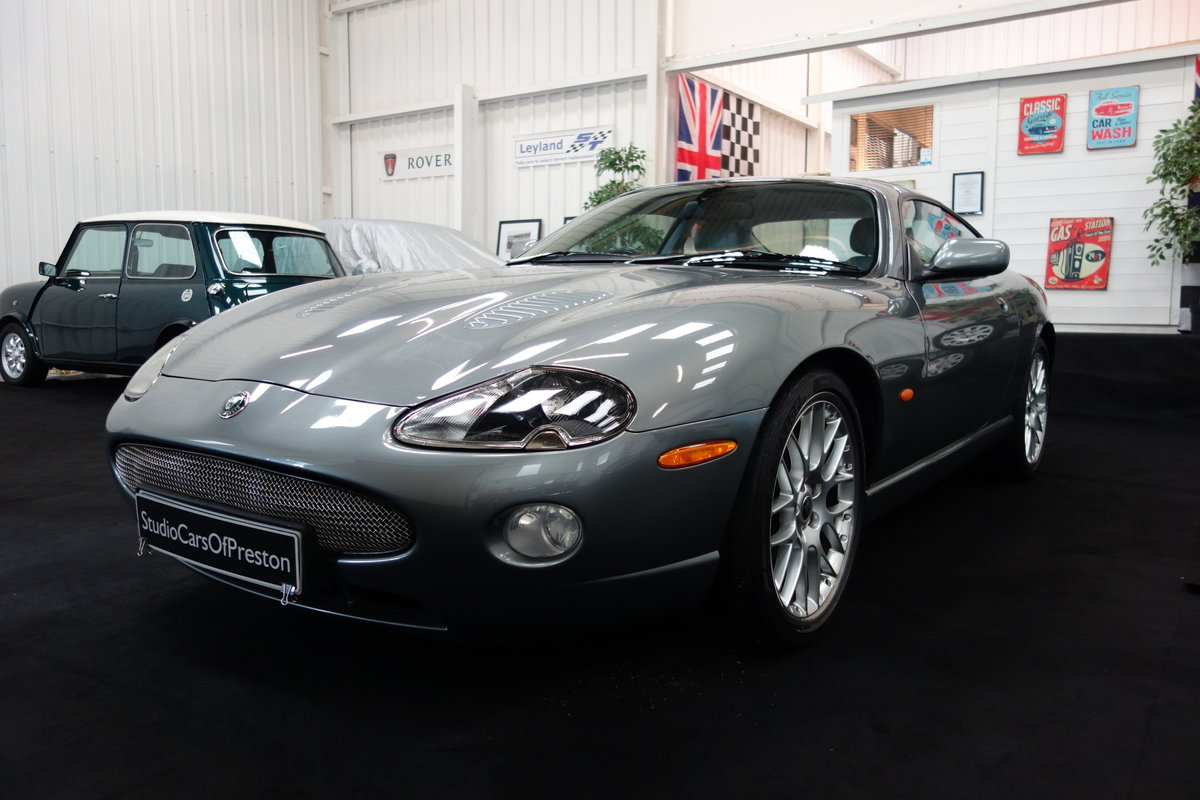 2005 Jaguar XKR 4.2 's' Final edition in beautiful condition SOLD (picture 2 of 6)