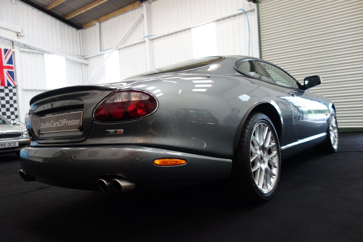 2005 Jaguar XKR 4.2 's' Final edition in beautiful condition SOLD (picture 3 of 6)
