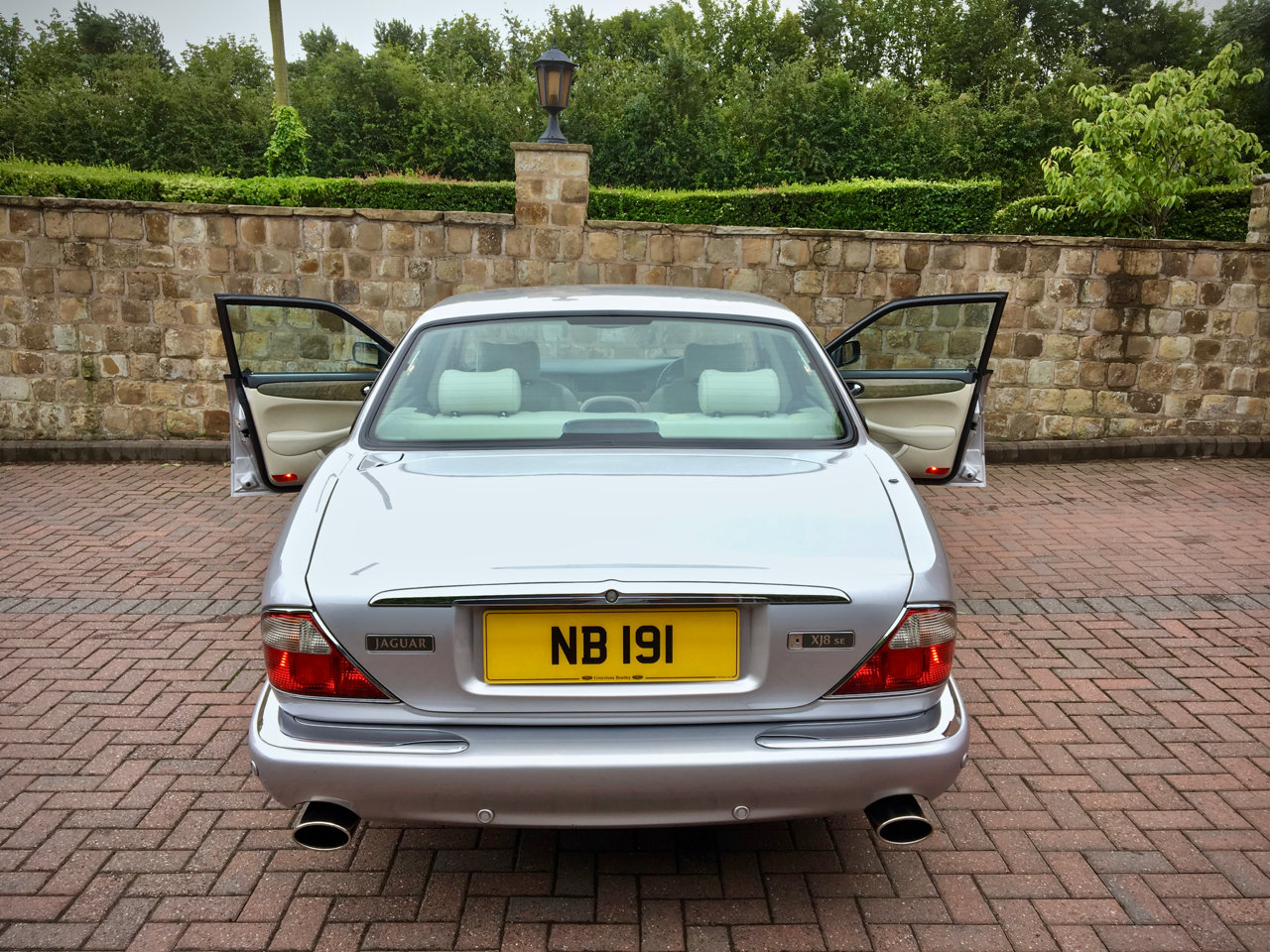 2002 Jag XJ8 4.0 V8 Sport - Swap Rolls or Classic Car For Sale (picture 4 of 6)