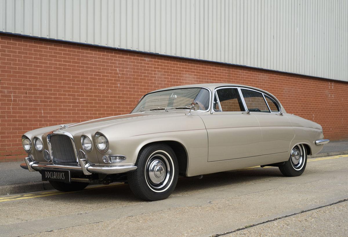 1965 Jaguar Mk X 4.2 For Sale (picture 1 of 24)